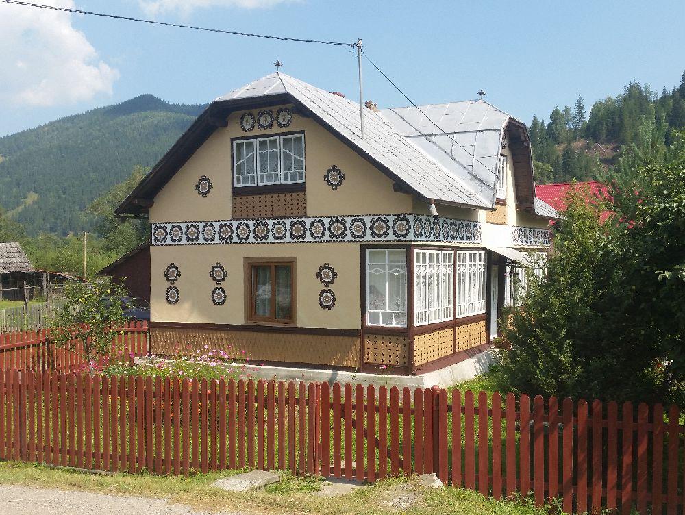 adelaparvu.com despre Ciocanesti, case cu motive traditionale, Bucovina, Romania (127)