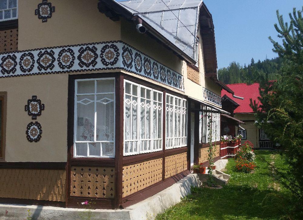 adelaparvu.com despre Ciocanesti, case cu motive traditionale, Bucovina, Romania (128)
