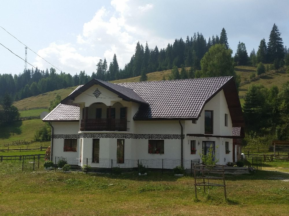adelaparvu.com despre Ciocanesti, case cu motive traditionale, Bucovina, Romania (129)