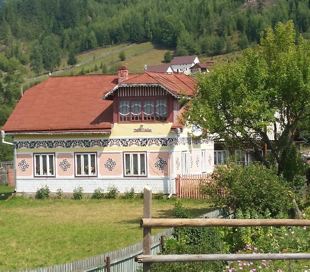 adelaparvu.com despre Ciocanesti, case cu motive traditionale, Bucovina, Romania (131)