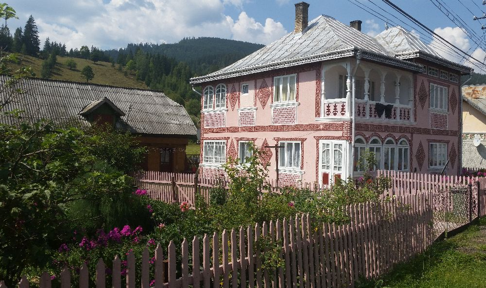 adelaparvu.com despre Ciocanesti, case cu motive traditionale, Bucovina, Romania (132)