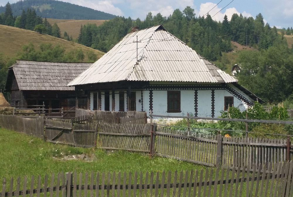adelaparvu.com despre Ciocanesti, case cu motive traditionale, Bucovina, Romania (134)