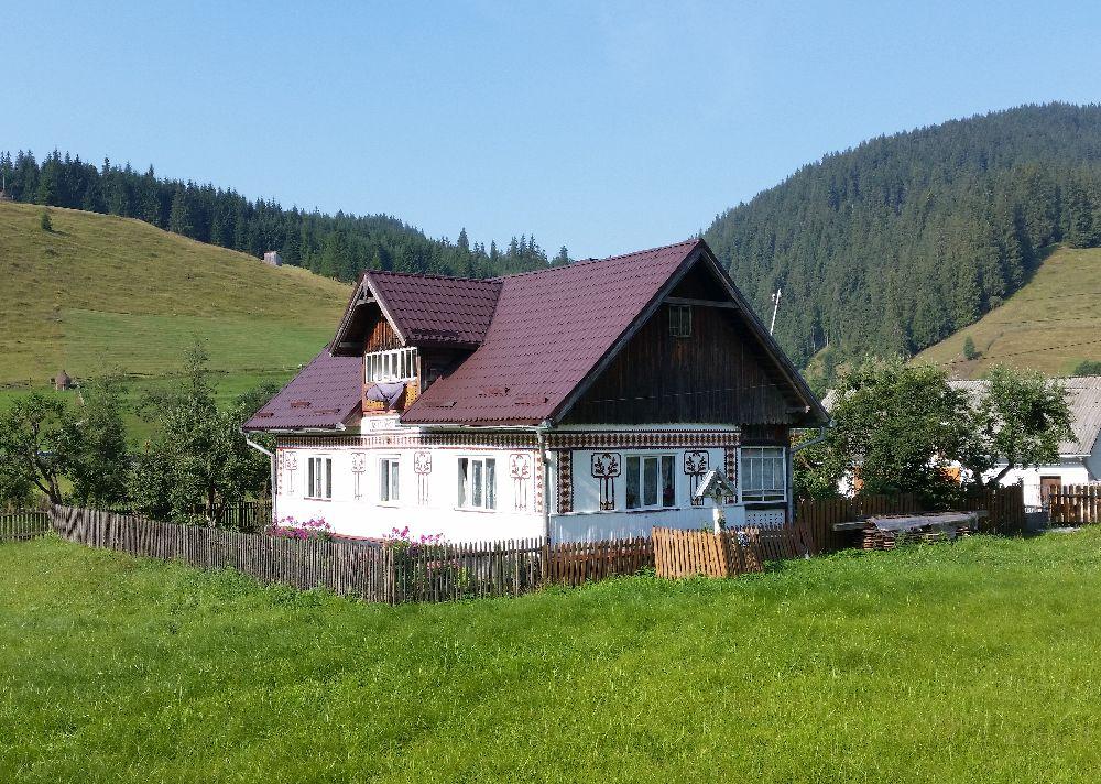 adelaparvu.com despre Ciocanesti, case cu motive traditionale, Bucovina, Romania (139)