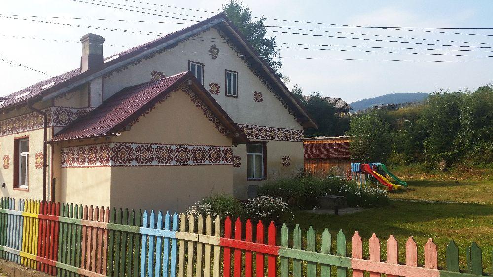 adelaparvu.com despre Ciocanesti, case cu motive traditionale, Bucovina, Romania (16)