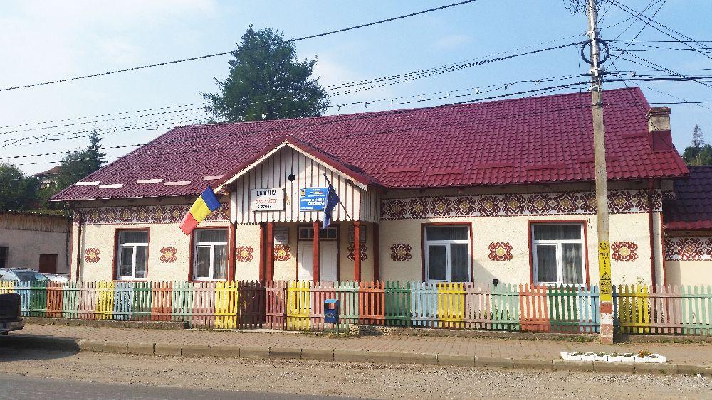 adelaparvu.com despre Ciocanesti, case cu motive traditionale, Bucovina, Romania (17)
