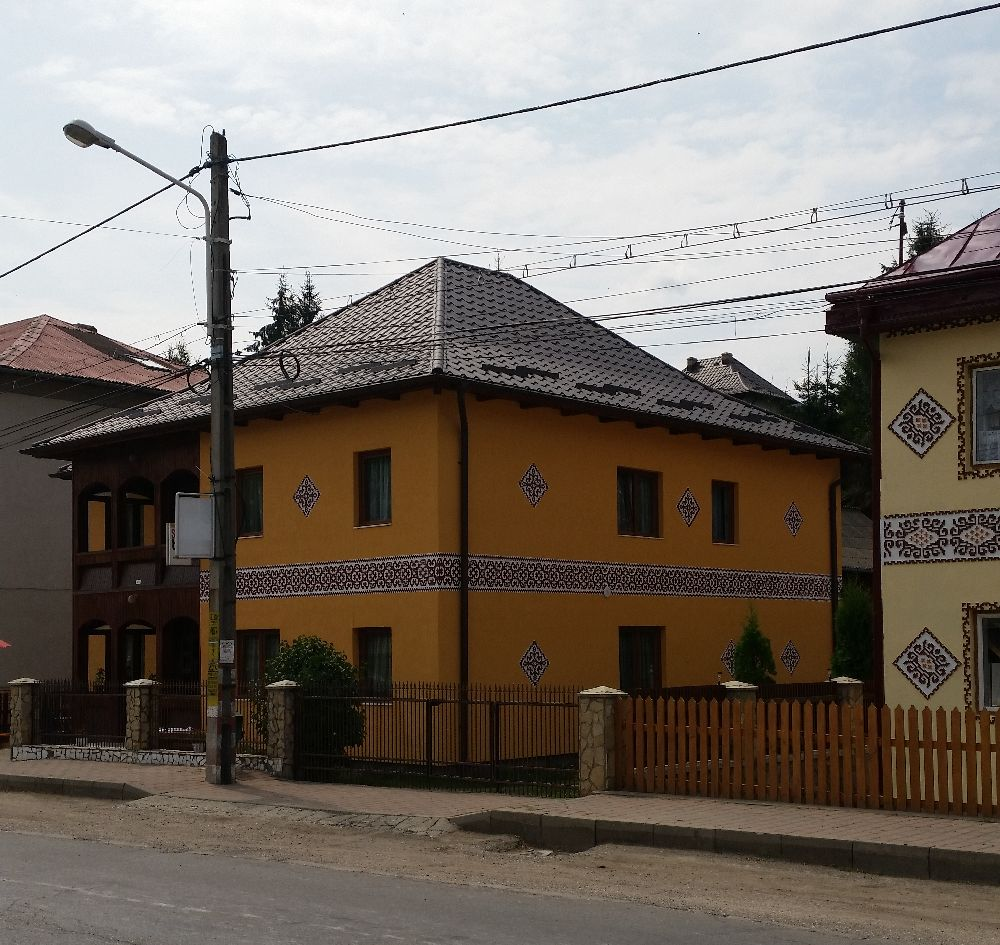 adelaparvu.com despre Ciocanesti, case cu motive traditionale, Bucovina, Romania (25)