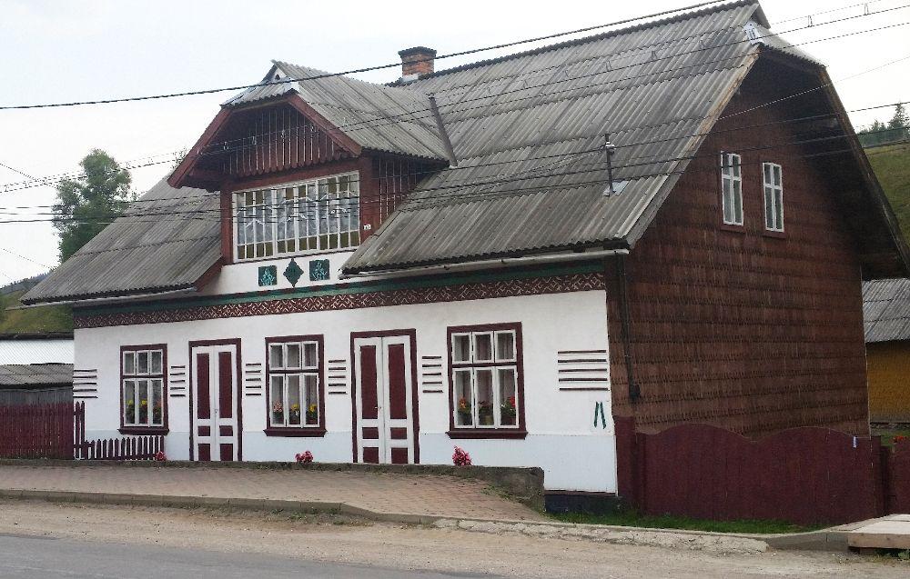 adelaparvu.com despre Ciocanesti, case cu motive traditionale, Bucovina, Romania (29)