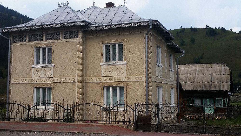 adelaparvu.com despre Ciocanesti, case cu motive traditionale, Bucovina, Romania (35)