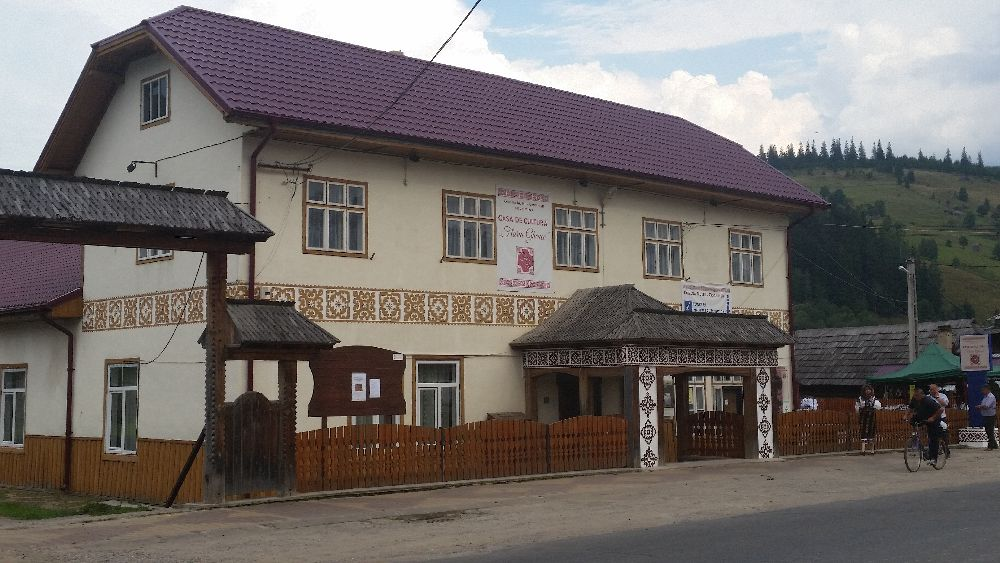 adelaparvu.com despre Ciocanesti, case cu motive traditionale, Bucovina, Romania (36)