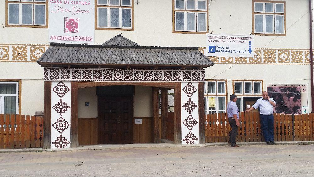 adelaparvu.com despre Ciocanesti, case cu motive traditionale, Bucovina, Romania (38)