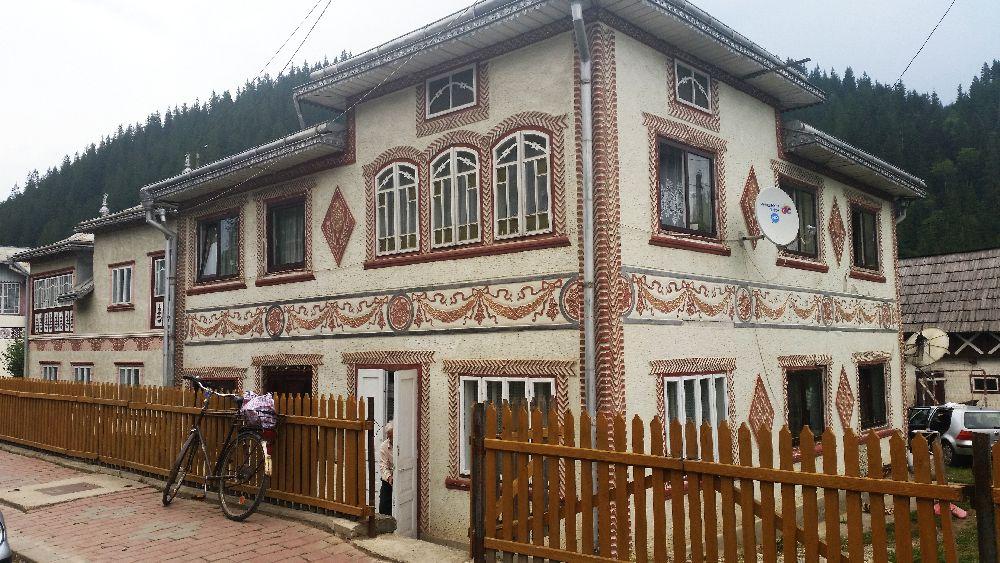 adelaparvu.com despre Ciocanesti, case cu motive traditionale, Bucovina, Romania (39)