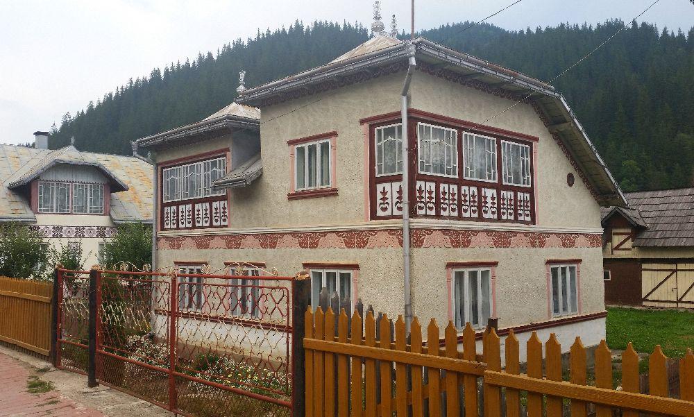 adelaparvu.com despre Ciocanesti, case cu motive traditionale, Bucovina, Romania (40)