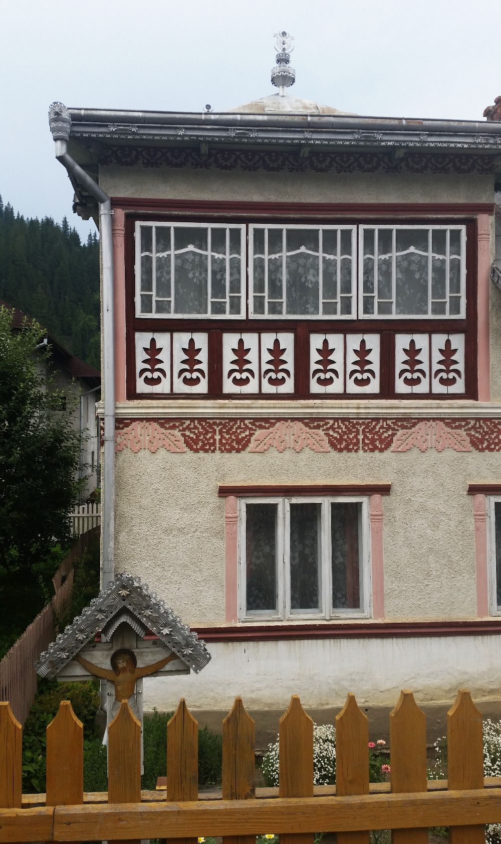 adelaparvu.com despre Ciocanesti, case cu motive traditionale, Bucovina, Romania (41)