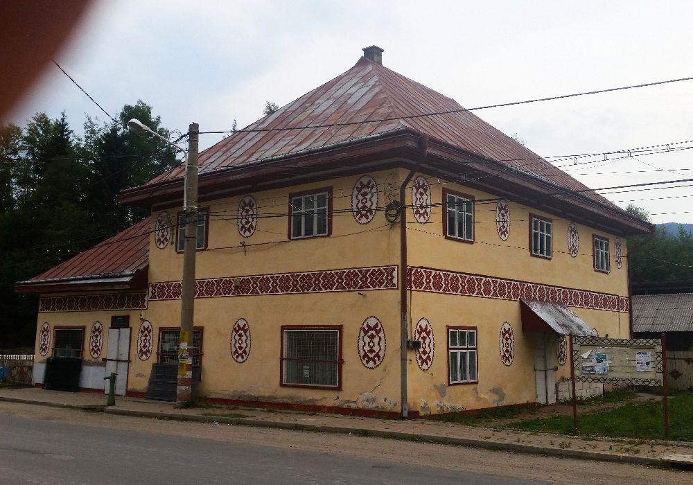 adelaparvu.com despre Ciocanesti, case cu motive traditionale, Bucovina, Romania (46)