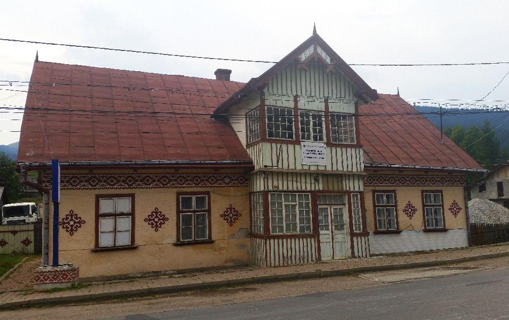 adelaparvu.com despre Ciocanesti, case cu motive traditionale, Bucovina, Romania (47)