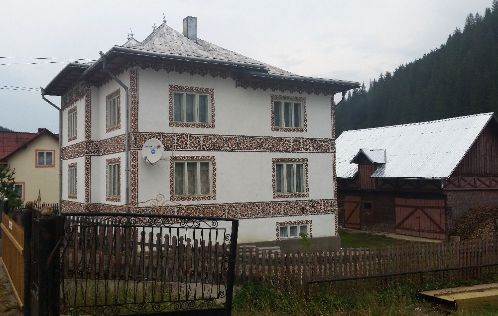 adelaparvu.com despre Ciocanesti, case cu motive traditionale, Bucovina, Romania (48)