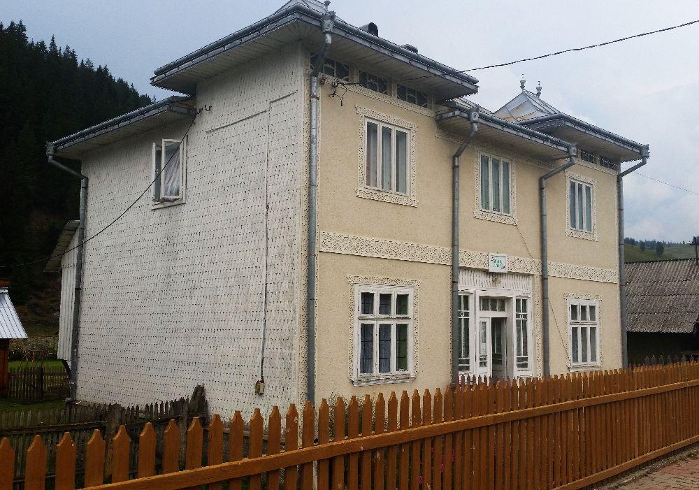 adelaparvu.com despre Ciocanesti, case cu motive traditionale, Bucovina, Romania (50)