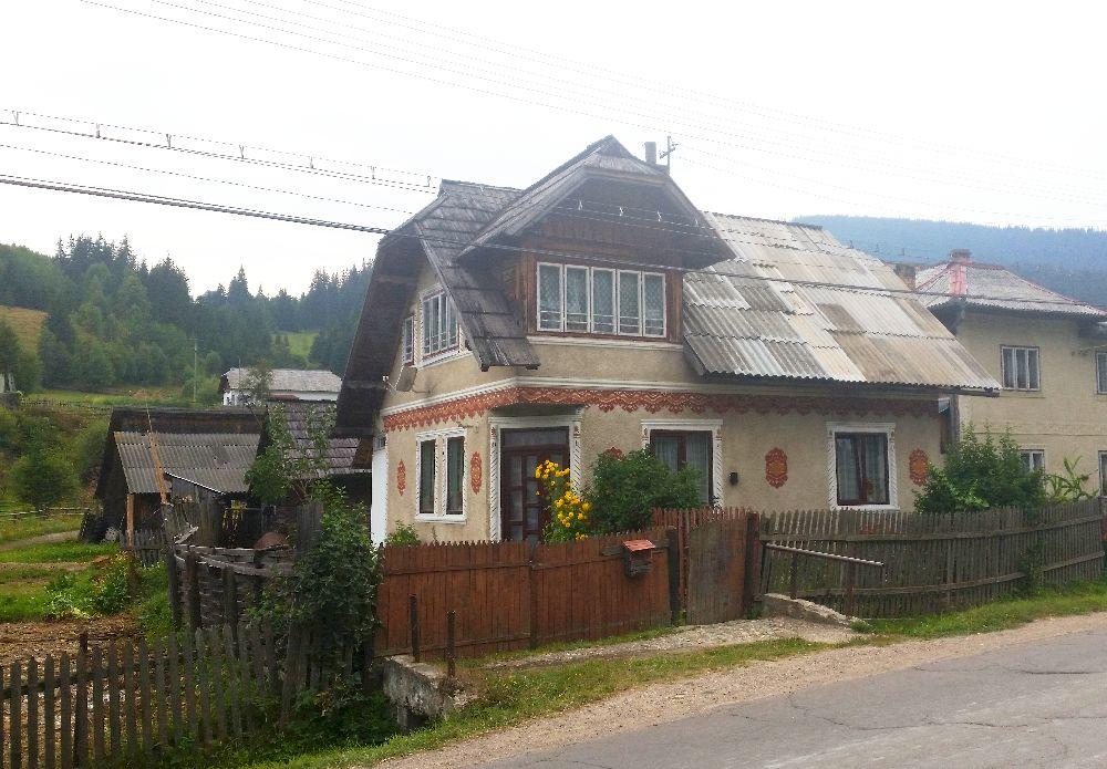 adelaparvu.com despre Ciocanesti, case cu motive traditionale, Bucovina, Romania (51)