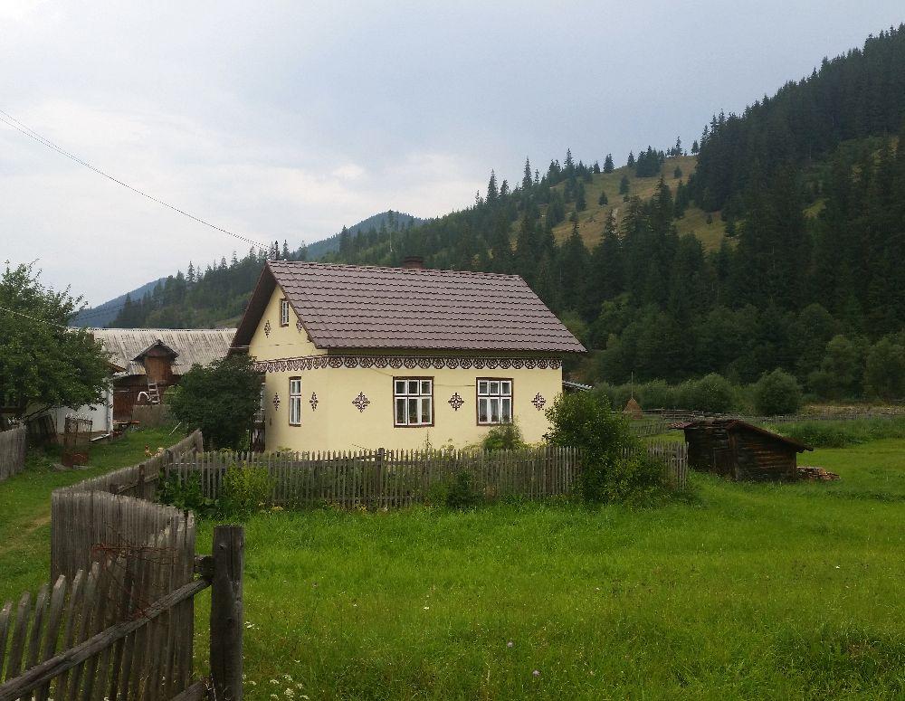 adelaparvu.com despre Ciocanesti, case cu motive traditionale, Bucovina, Romania (52)