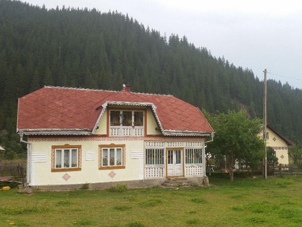 adelaparvu.com despre Ciocanesti, case cu motive traditionale, Bucovina, Romania (54)