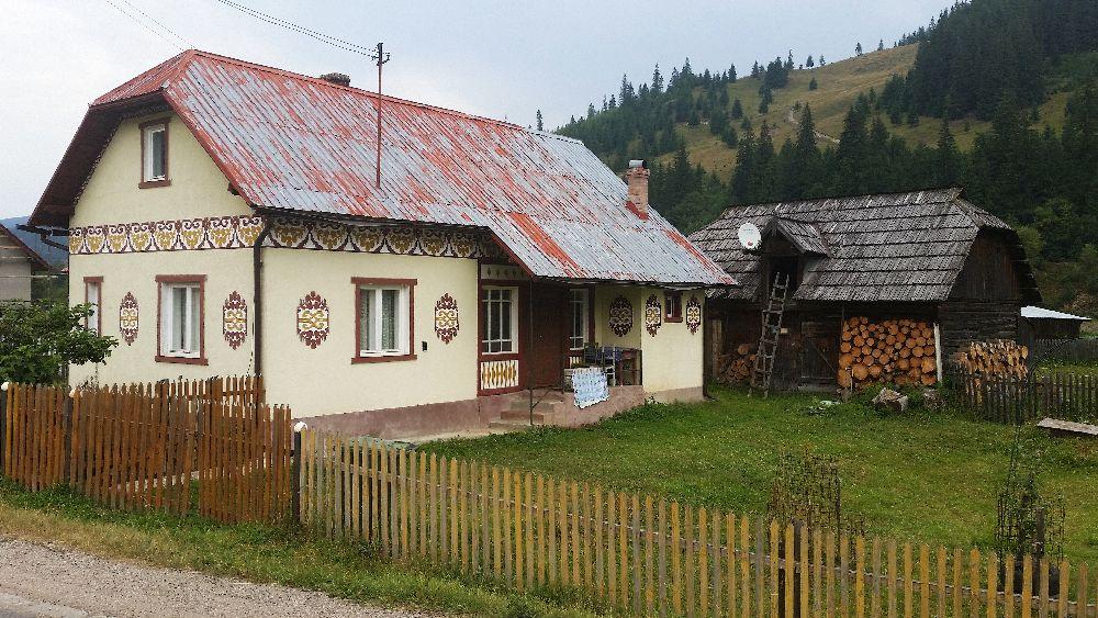 adelaparvu.com despre Ciocanesti, case cu motive traditionale, Bucovina, Romania (57)