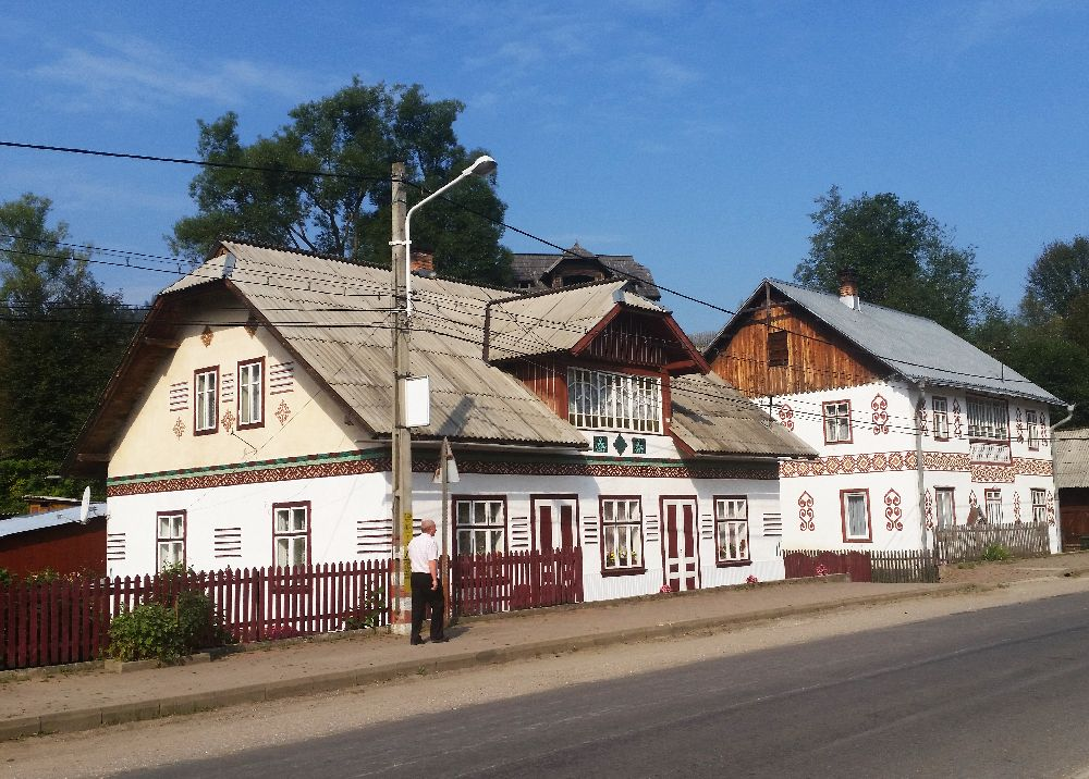 adelaparvu.com despre Ciocanesti, case cu motive traditionale, Bucovina, Romania (7)