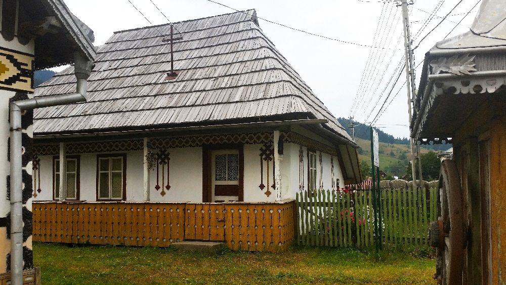 adelaparvu.com despre Ciocanesti, case cu motive traditionale, Bucovina, Romania (72)