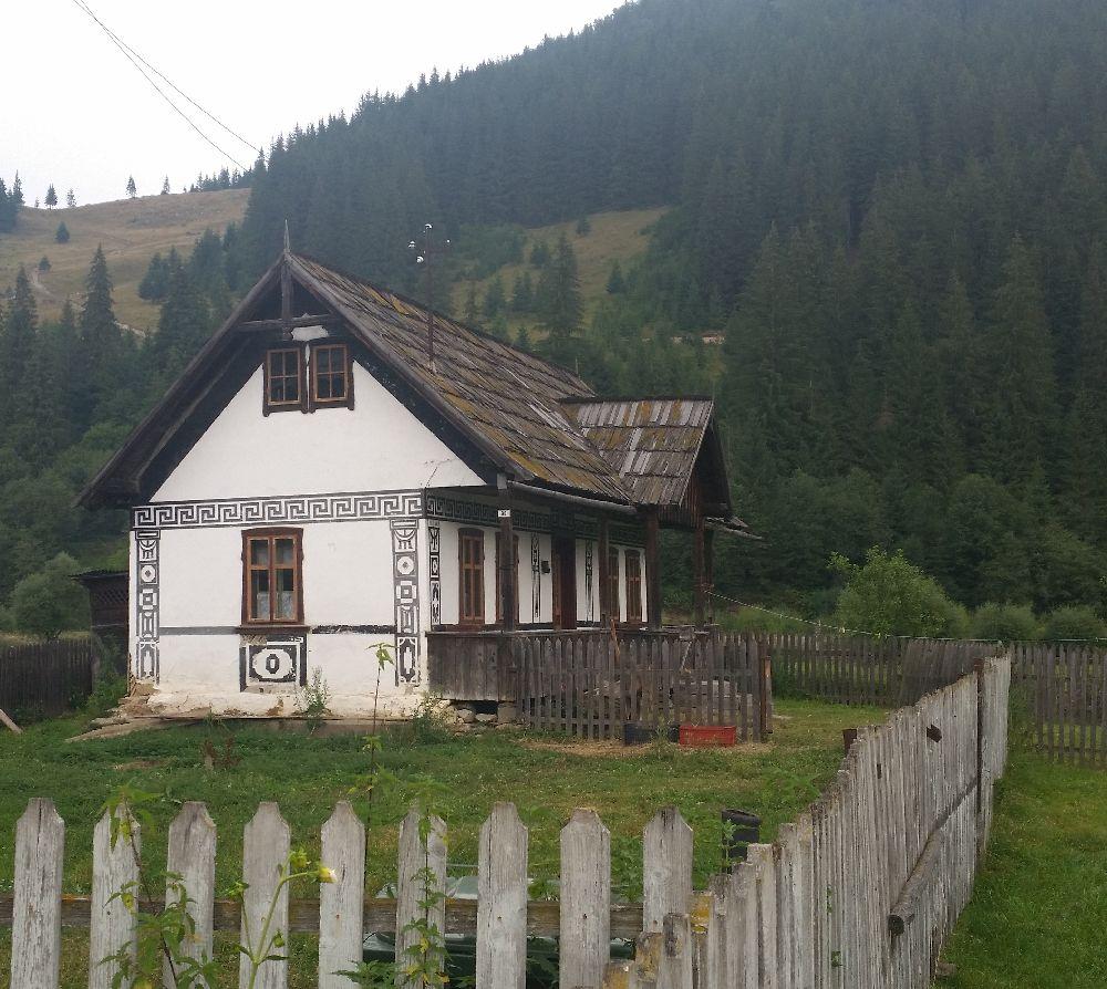 adelaparvu.com despre Ciocanesti, case cu motive traditionale, Bucovina, Romania (86)