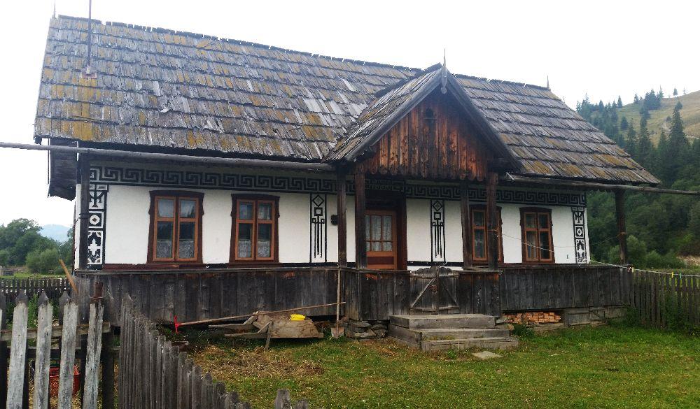 adelaparvu.com despre Ciocanesti, case cu motive traditionale, Bucovina, Romania (88)