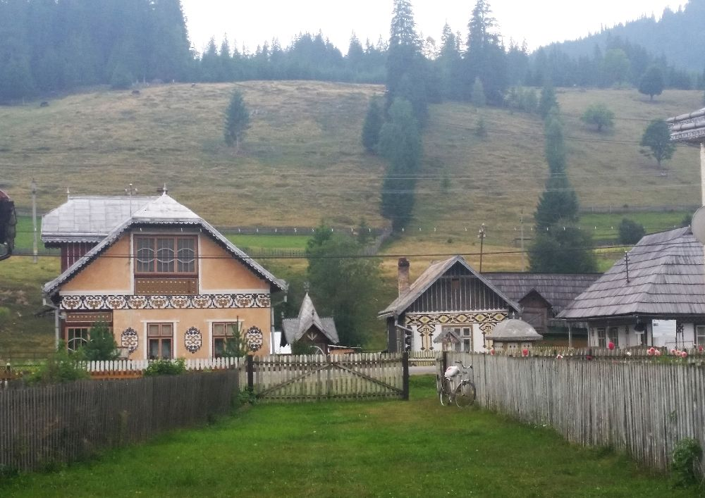 adelaparvu.com despre Ciocanesti, case cu motive traditionale, Bucovina, Romania (89)