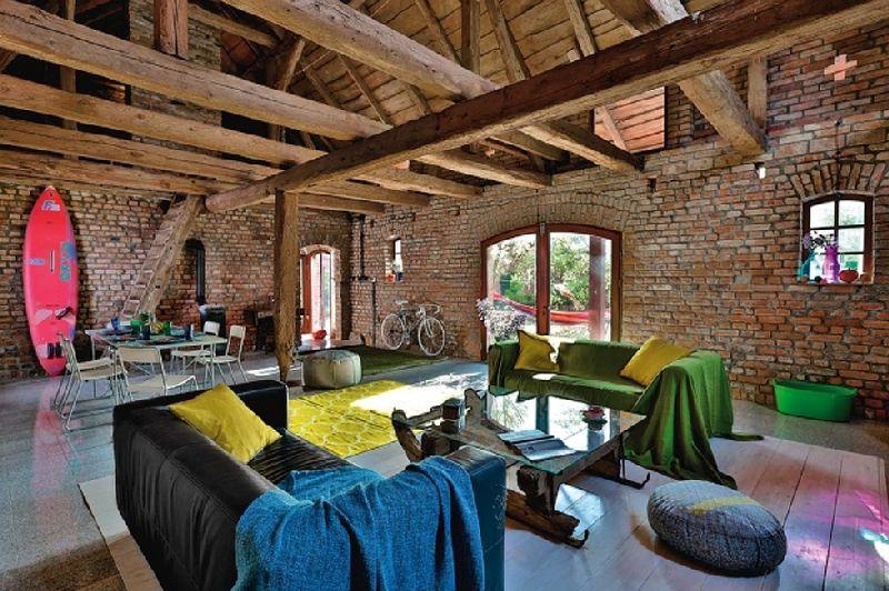 adelaparvu.com despre casa din caramida, rustica la exterior, actuala la interior, design Loft Architekci, Foto Michael Mrowiec (11)