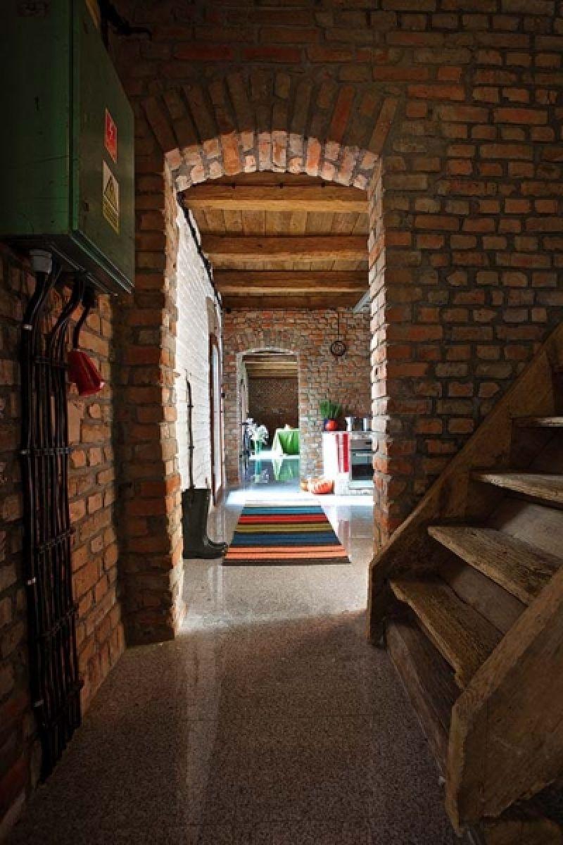 adelaparvu.com despre casa din caramida, rustica la exterior, actuala la interior, design Loft Architekci, Foto Michael Mrowiec (4)