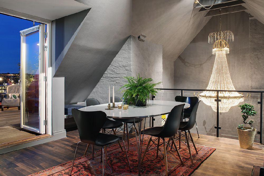 adelaparvu.com despre locuinta la mansarda cu pereti gri inchis, loft 120 mp Suedia, Foto Alvhem makleri (11)