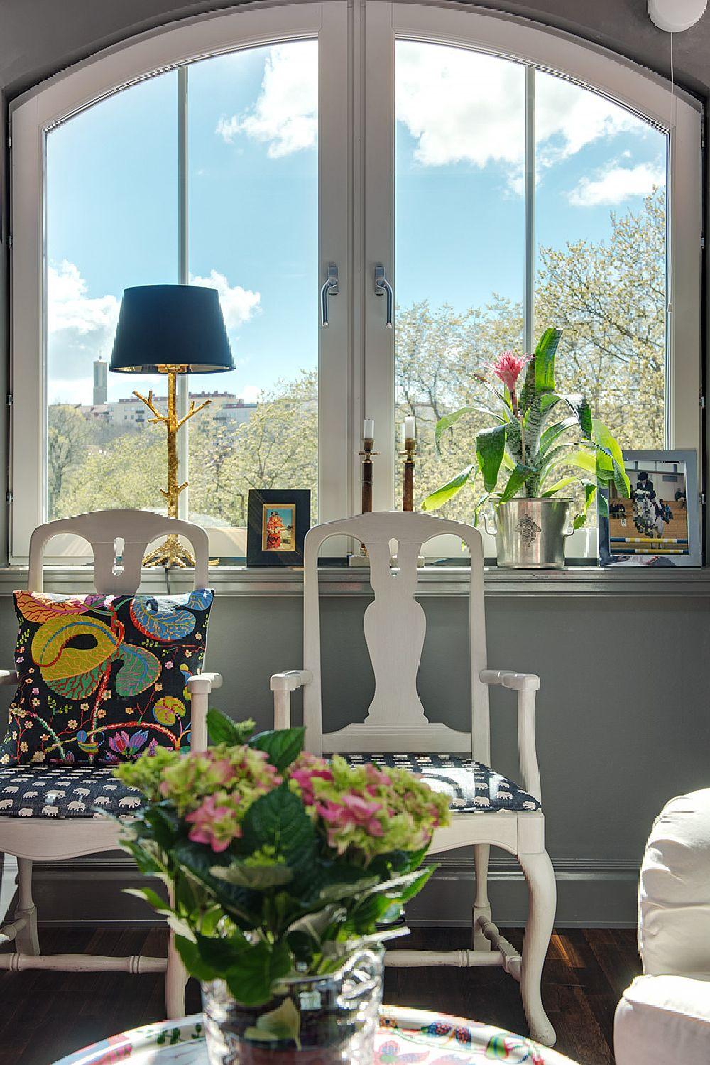 adelaparvu.com despre locuinta la mansarda cu pereti gri inchis, loft 120 mp Suedia, Foto Alvhem makleri (13)