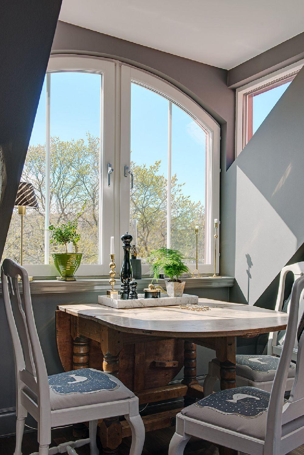 adelaparvu.com despre locuinta la mansarda cu pereti gri inchis, loft 120 mp Suedia, Foto Alvhem makleri (16)
