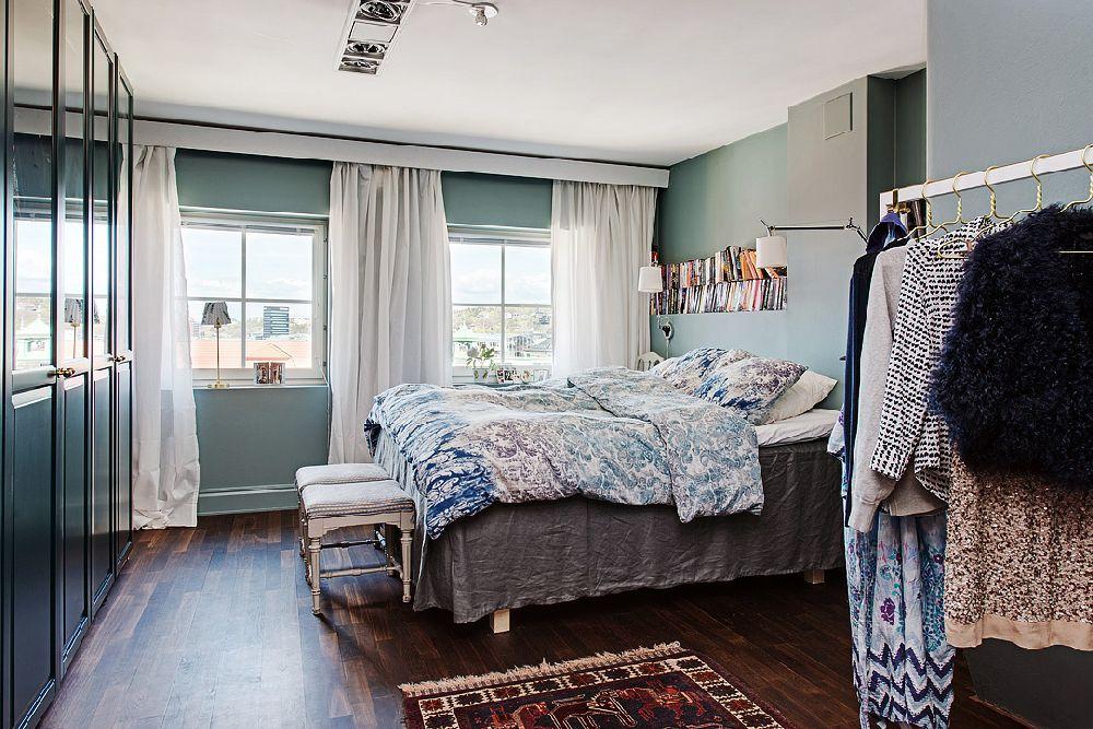 adelaparvu.com despre locuinta la mansarda cu pereti gri inchis, loft 120 mp Suedia, Foto Alvhem makleri (24)