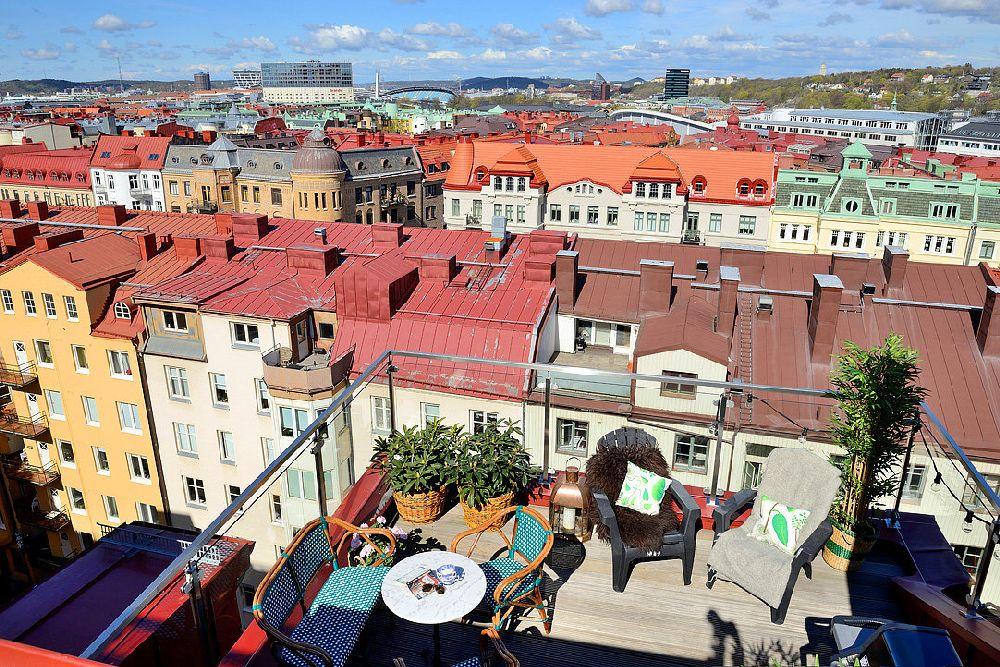 adelaparvu.com despre locuinta la mansarda cu pereti gri inchis, loft 120 mp Suedia, Foto Alvhem makleri (29)