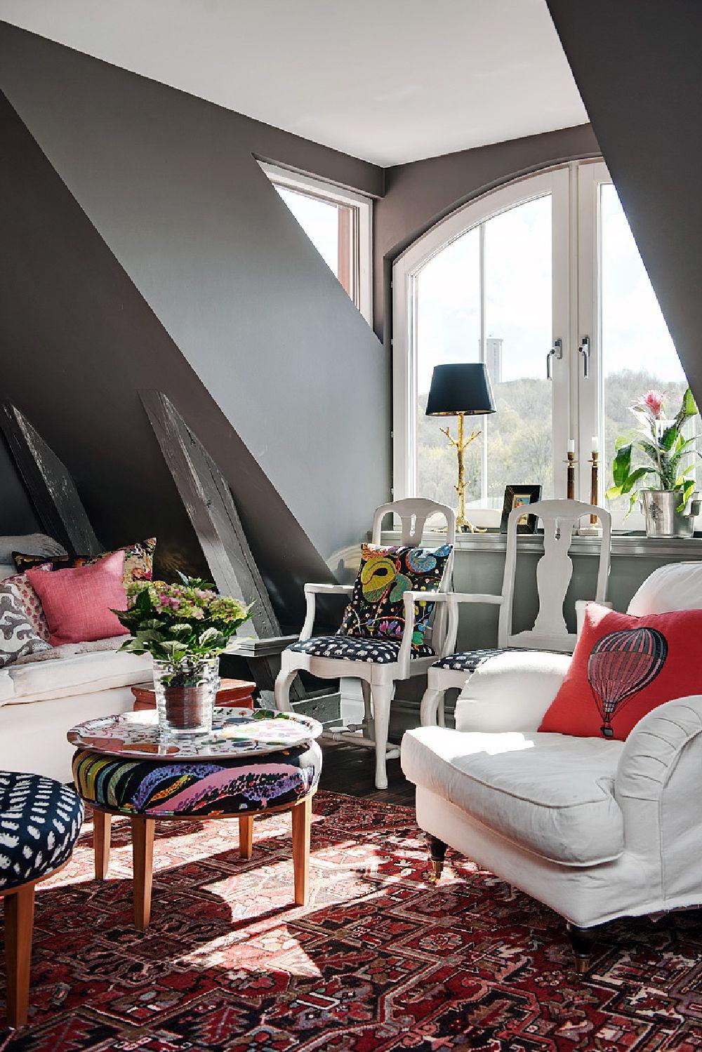 adelaparvu.com despre locuinta la mansarda cu pereti gri inchis, loft 120 mp Suedia, Foto Alvhem makleri (34)