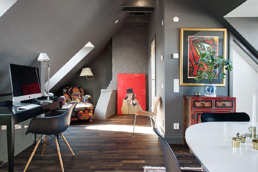 adelaparvu.com despre locuinta la mansarda cu pereti gri inchis, loft 120 mp Suedia, Foto Alvhem makleri (36)