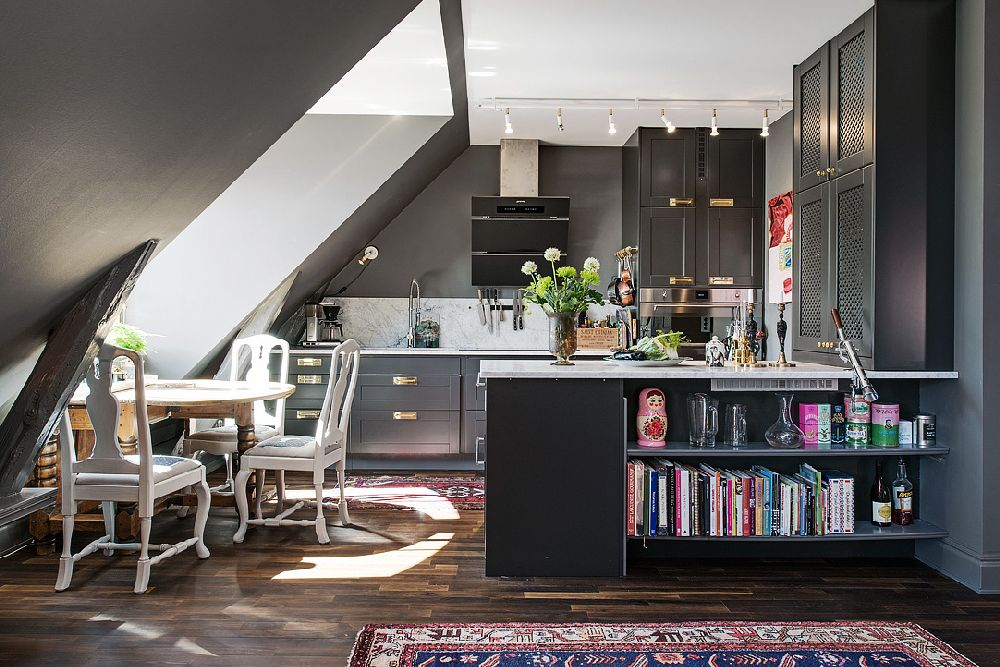 adelaparvu.com despre locuinta la mansarda cu pereti gri inchis, loft 120 mp Suedia, Foto Alvhem makleri (37)