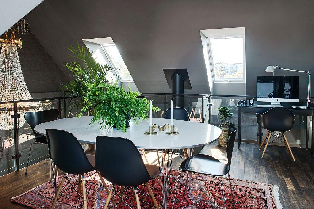 adelaparvu.com despre locuinta la mansarda cu pereti gri inchis, loft 120 mp Suedia, Foto Alvhem makleri (38)