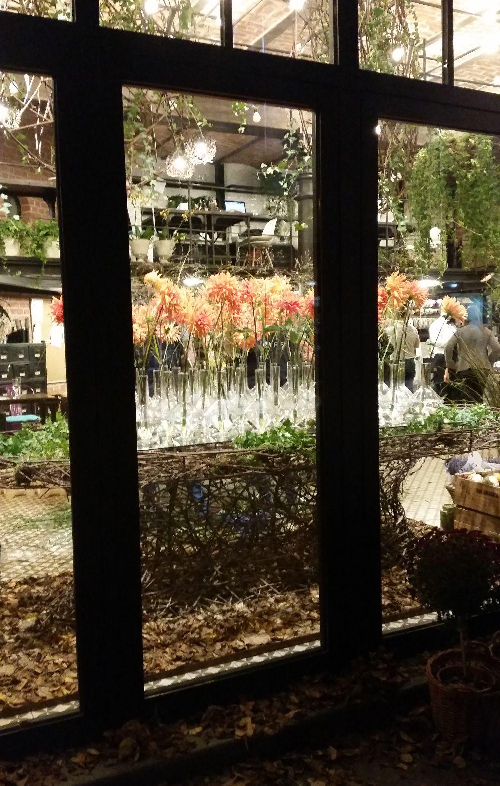 adelaparvu.com despre 45 de ani aniversare Floraria Iris, design floral Nicu Bocancea (42)