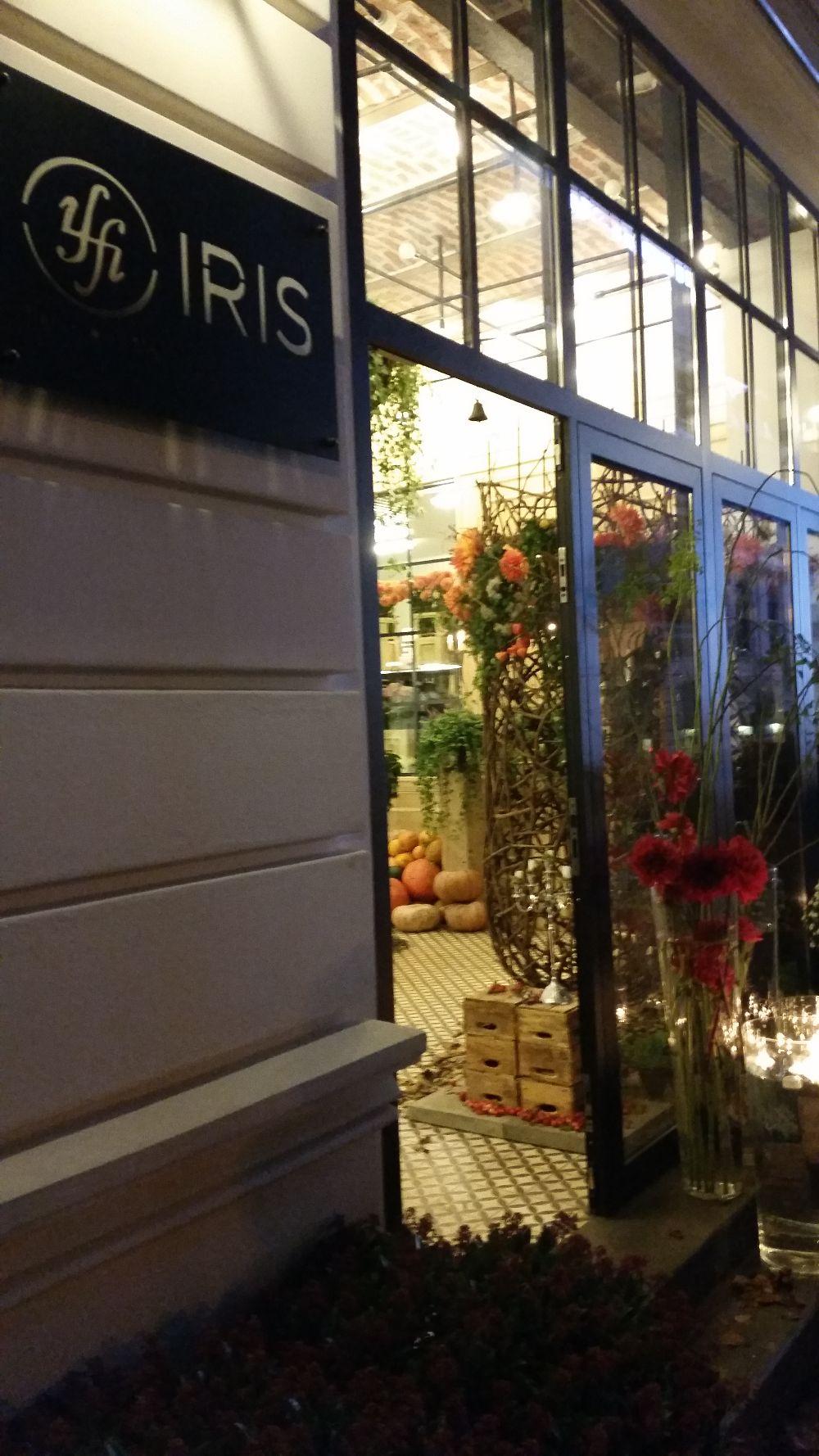 adelaparvu.com despre 45 de ani aniversare Floraria Iris, design floral Nicu Bocancea (43)
