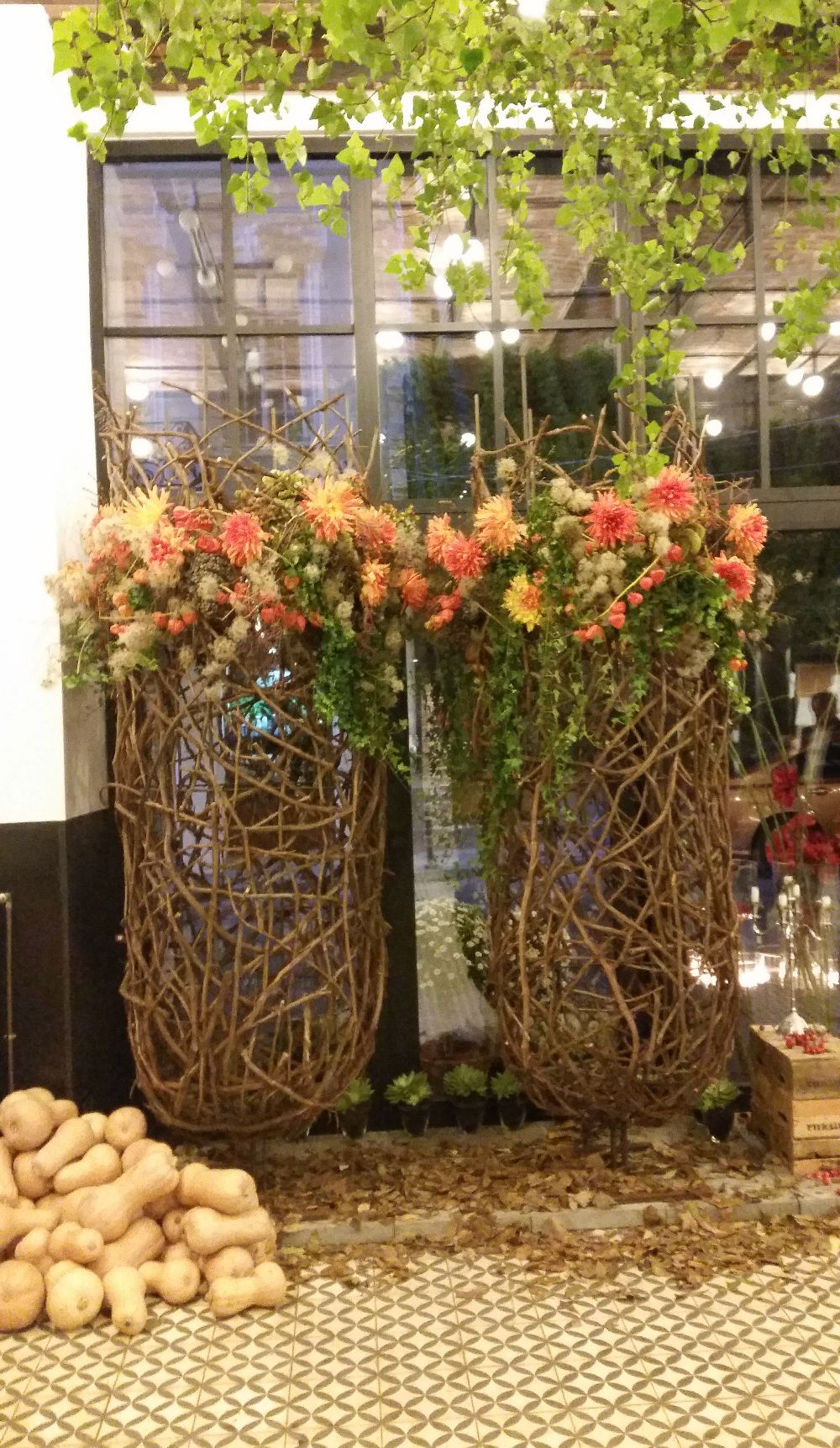 adelaparvu.com despre 45 de ani aniversare Floraria Iris, design floral Nicu Bocancea (47)