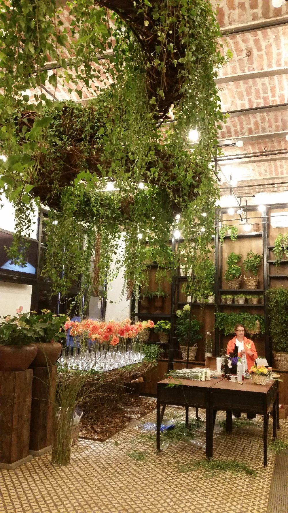 adelaparvu.com despre 45 de ani aniversare Floraria Iris, design floral Nicu Bocancea (53)