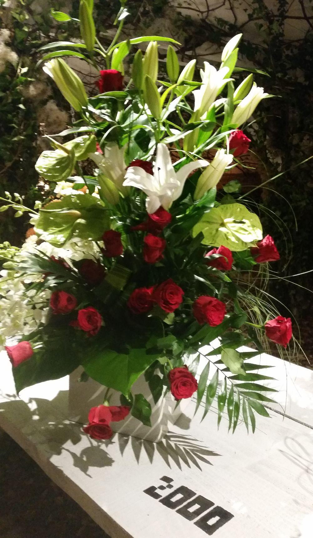adelaparvu.com despre 45 de ani aniversare Floraria Iris, design floral Nicu Bocancea (7)