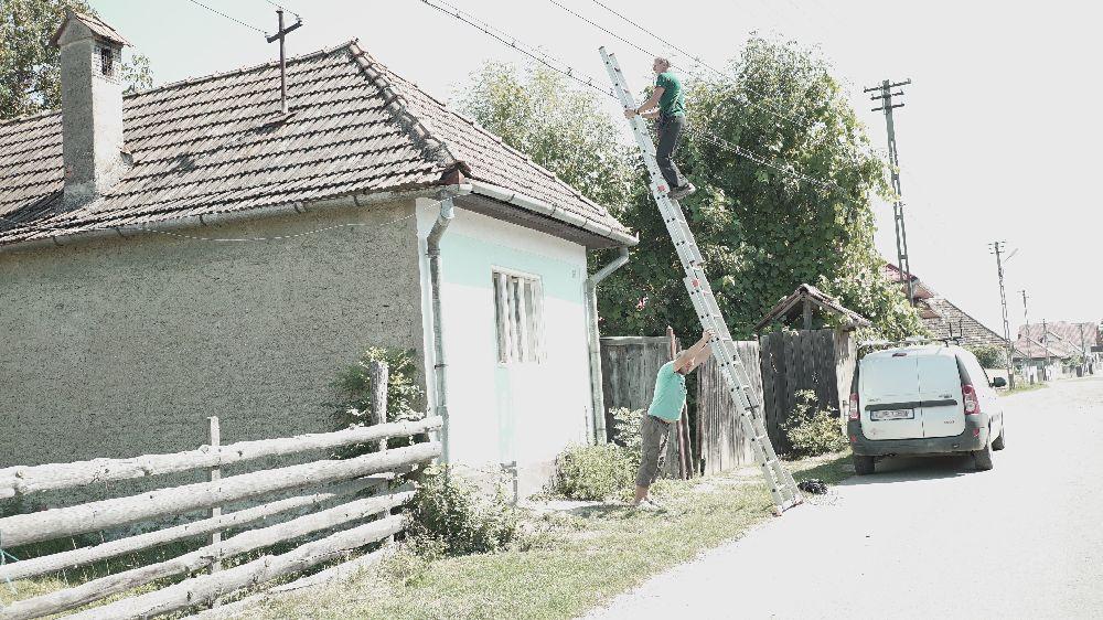adelaparvu.com despre Alexandra Teodor si Stefan Carstea peisagistii care s-au mutat la tara in Cartisoara (1)