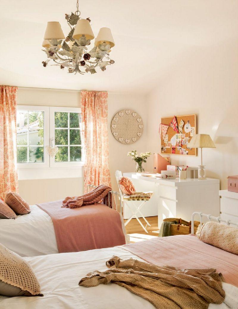 adelaparvu.com despre casa romantica in tonuri pastelate, casa Spania, design interior Isabel Flores, Foto ElMueble (13)