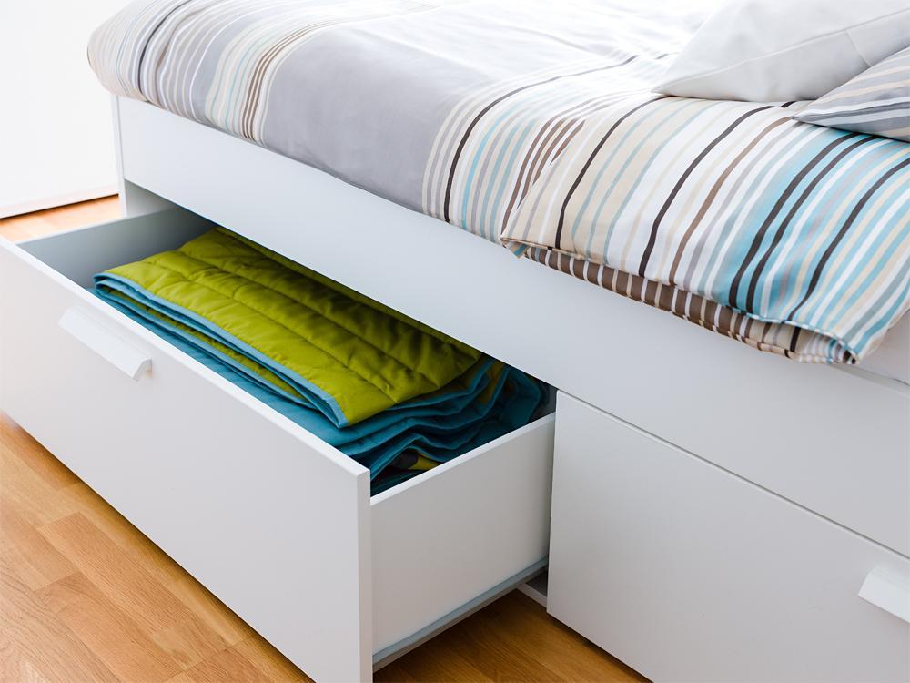 adelaparvu.com despre dormitor reamenajat, de la rustic la modern, Foto Zuhause Wohnen (17)