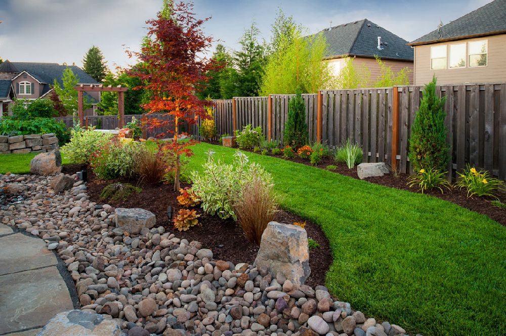 adelaparvu.com despre lucrari pentru gazon toamna, text Carli Marian, Foto Paradise Restored Landscaping & Exterior Design